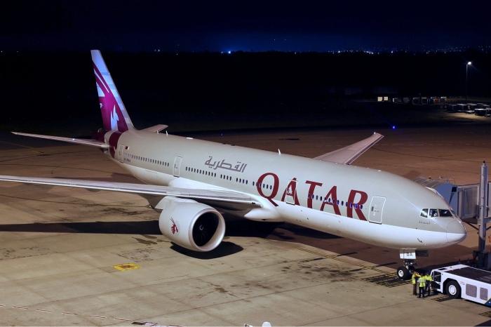 1 1 Qatar_Airways_Boeing_777-200LR_Koch-2