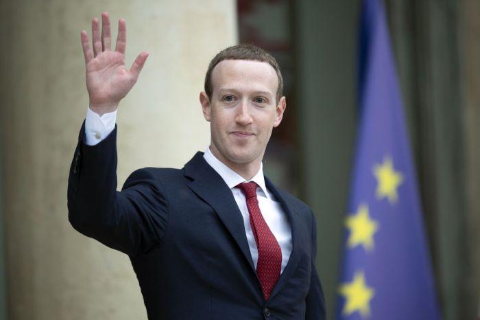 Facebook CEO Mark ZuckerbergAGAPEN2