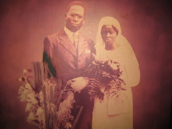 Obafemi Awolowo marries Hannah Idowu Dideolu-AGAPEN