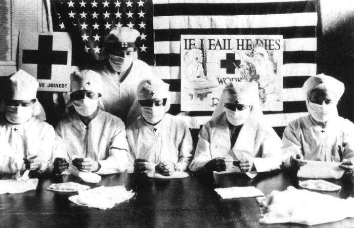 wearing mask during The 1918 Flu Pandemic-AGAPEN 3