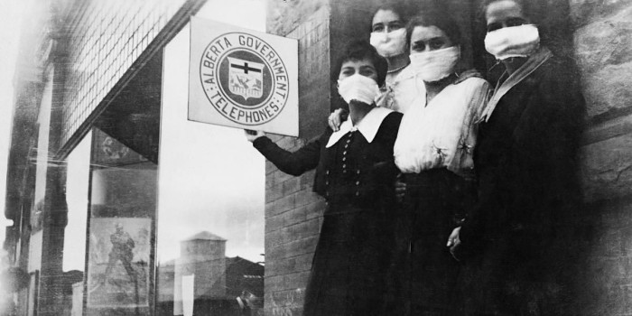 wearing mask during The 1918 Flu Pandemic-AGAPEN 4