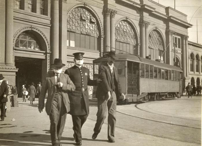 wearing mask during The 1918 Flu Pandemic-AGAPEN 5